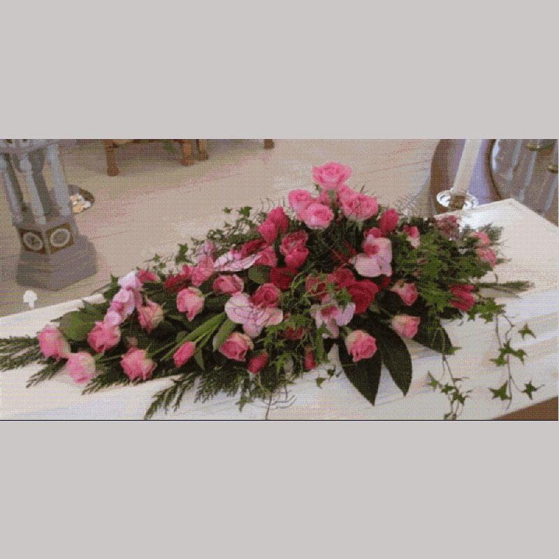 Kistedekorasjon A008 Blomster etter hva som kan skaffes etter årstiden