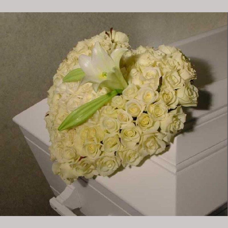 C001. Blomsterhjerte med lilje