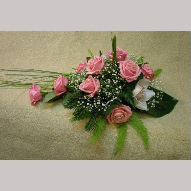 Bårebukett B011. Blomster etter ønske