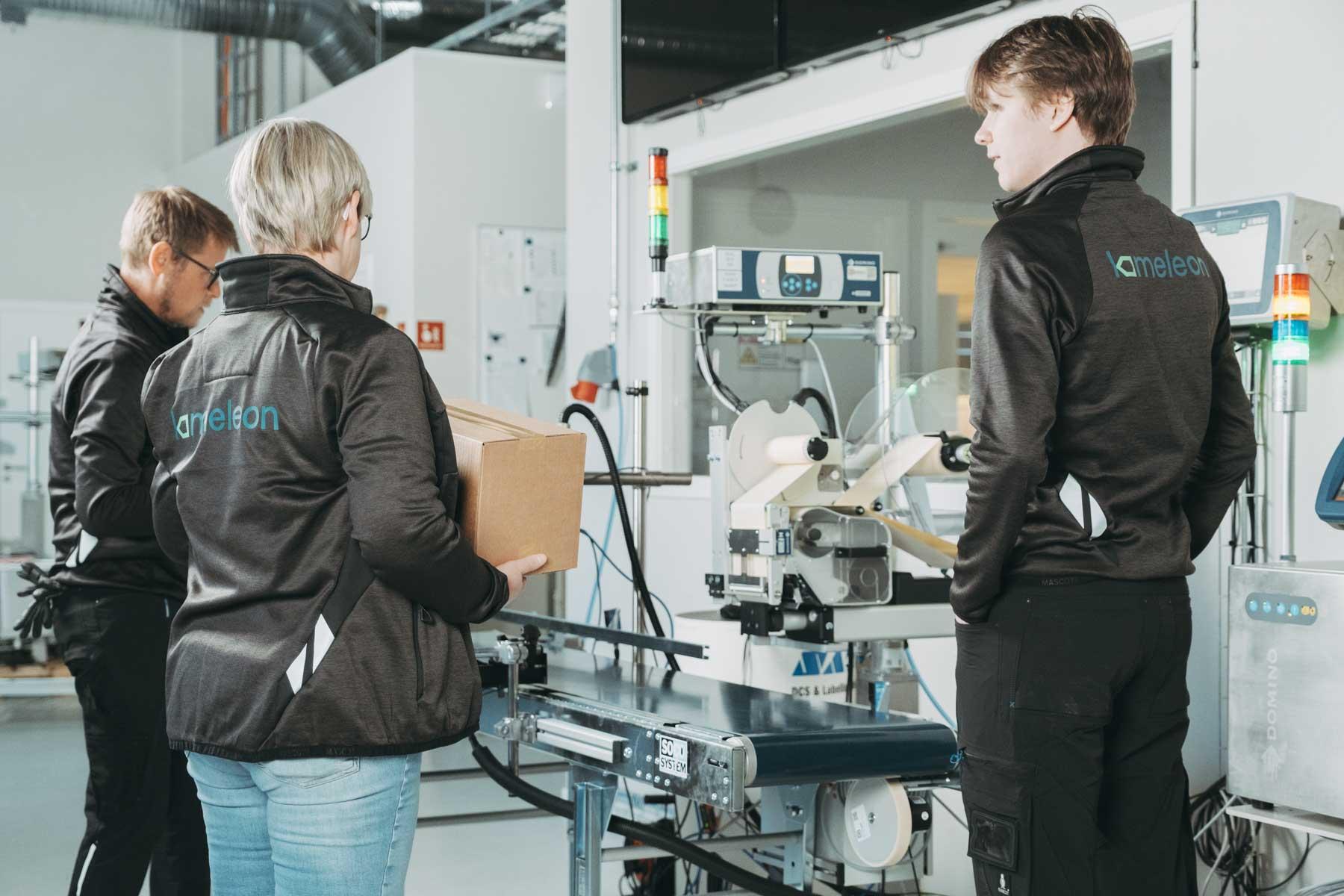 Bransjer som næringsmiddel og bryggerier er våre største kundegrupper for etikettering, roboter og merking og sporing.