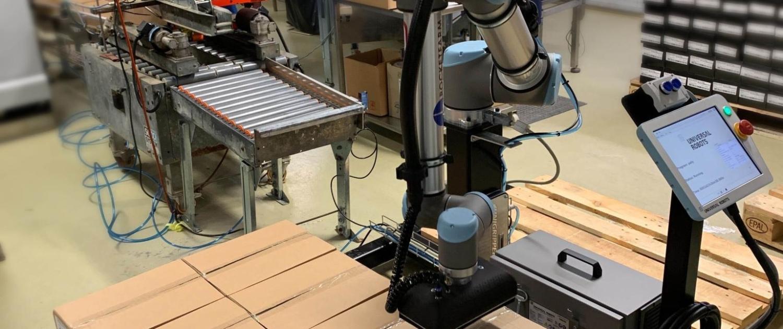 Våre roboter i action - her i produksjon.