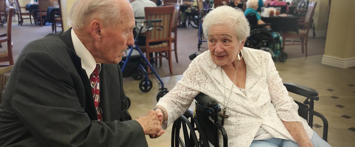 Yankees Legend Visits Bethesda Gardens Fort Worth