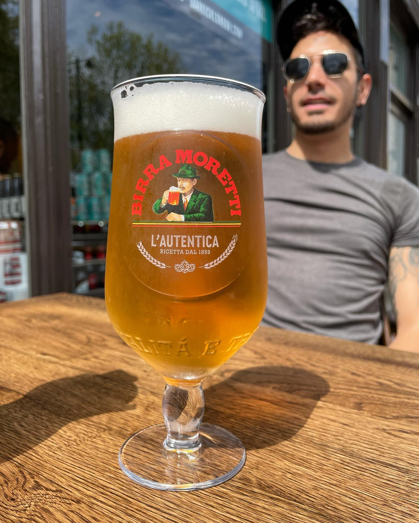 Pint in the sun? 🌞  We'll start it pouring now... 🍺 Open for al fresco beers, cocktails & takeaway pints all day 🙌🏼 . . . . . . . @birramorettiuk @birramoretti #moretti #beer #beerstagram #beersofinstagram #italian #boozer #pub #outdoor #terrace #pint #birramorertti #summer #finally #sunshine #barkick #shoreditch