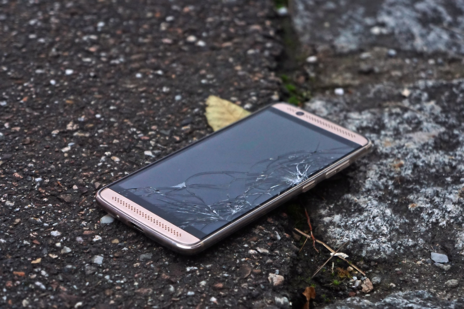 Tablet & smartphone screen repairs in Rugby Warwickshire
