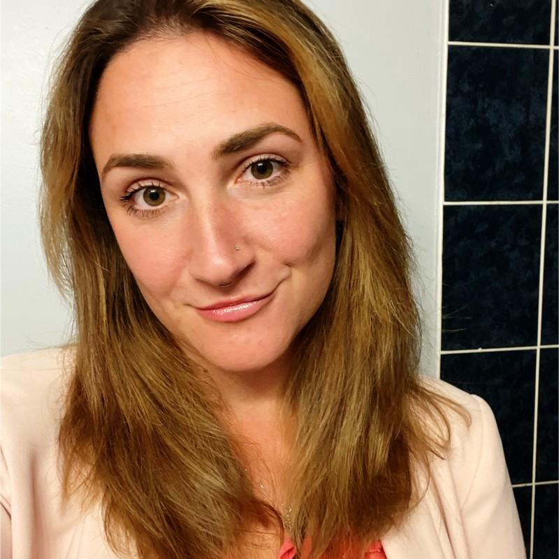 Gwen Damaren