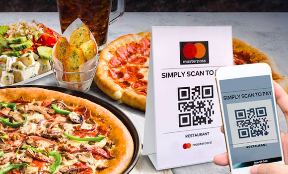 pizza hut meal with table tent for qr code masterpass