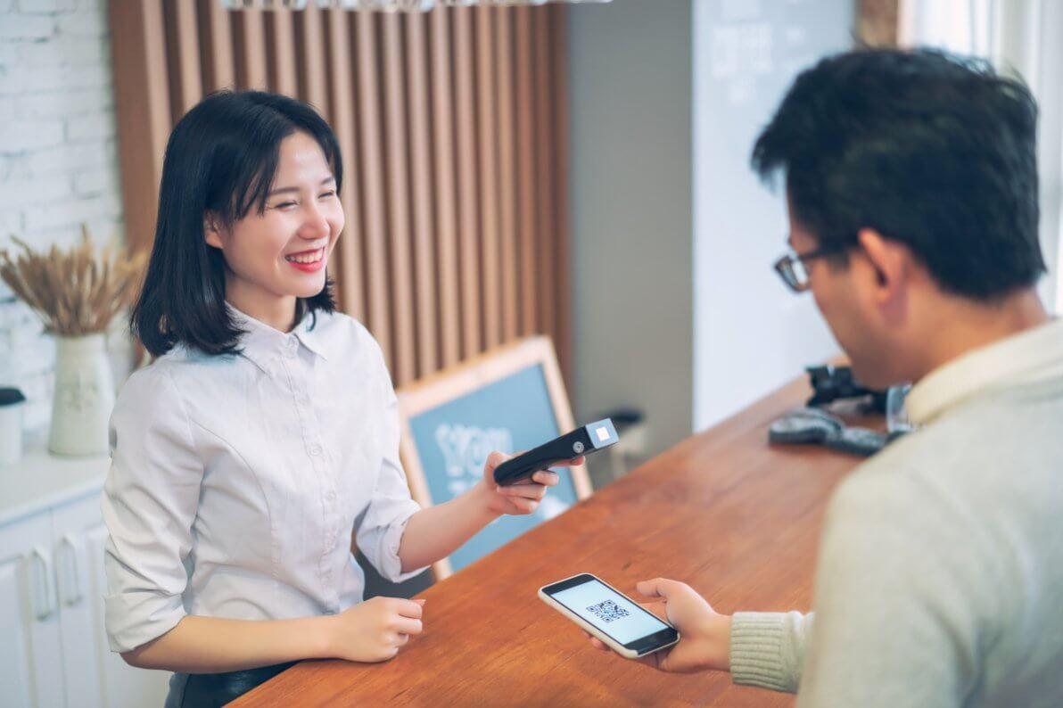 5 Ways QR Codes Improve Customer Experience