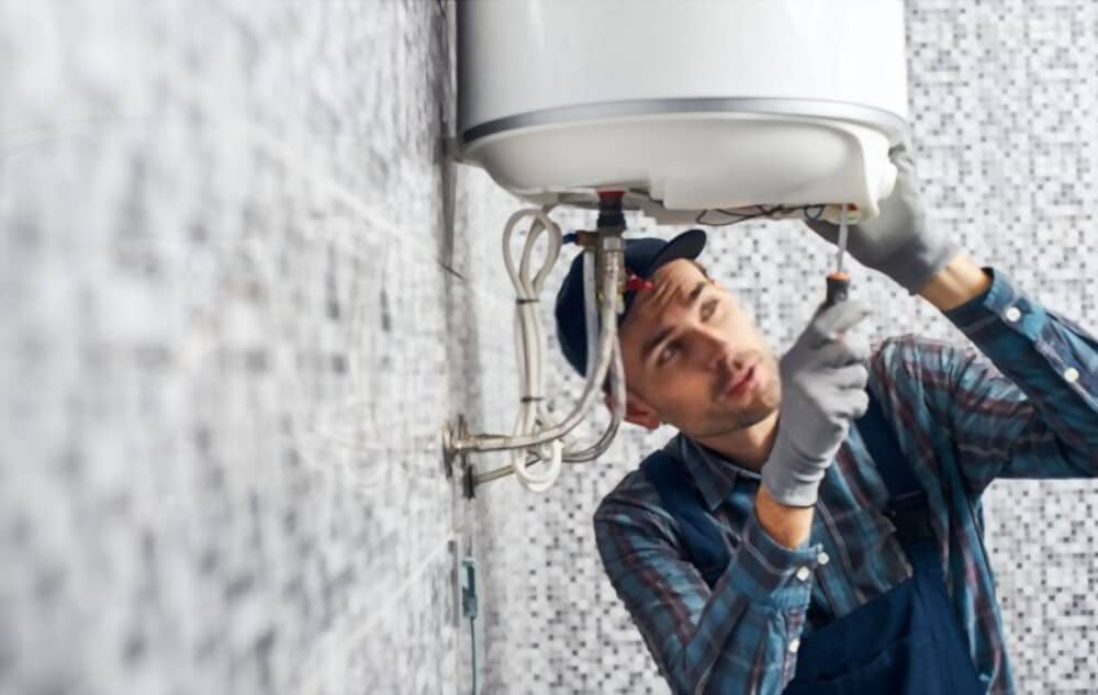 Pro Plumbers is an established, family-owned plumbing company providing fast and professional water heater installation service in Corona, CA. Since 2009, we've offered our services throughout Riverside County. To schedule your water heater installation, call us today at (844) 568-5500.