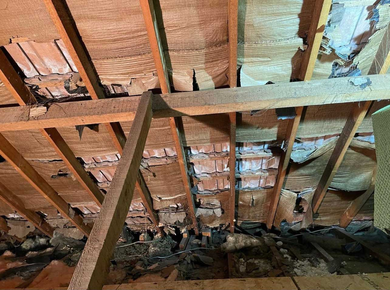 inside house roof with no roof membrane