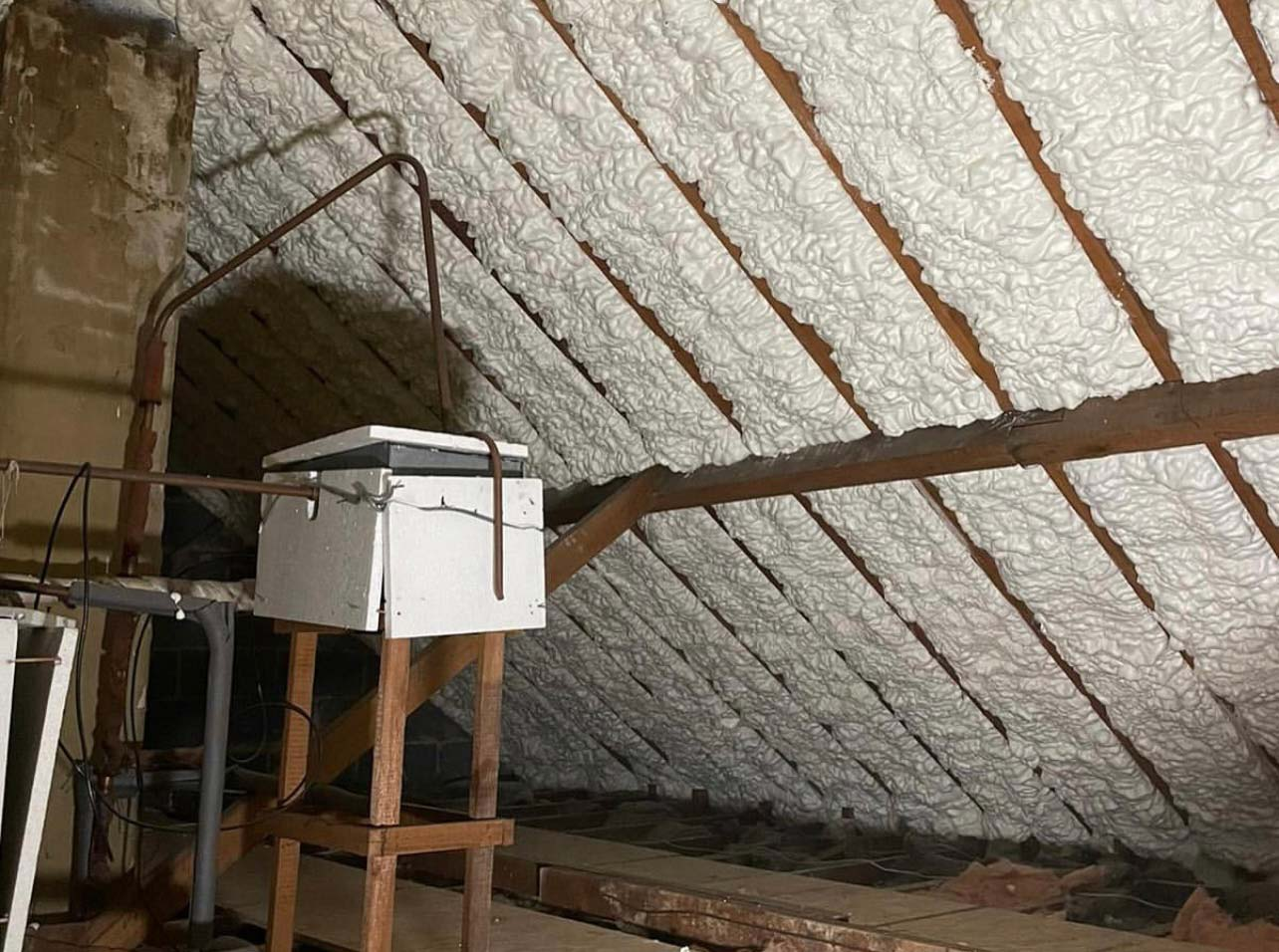 spray foam insulation without roof membrane