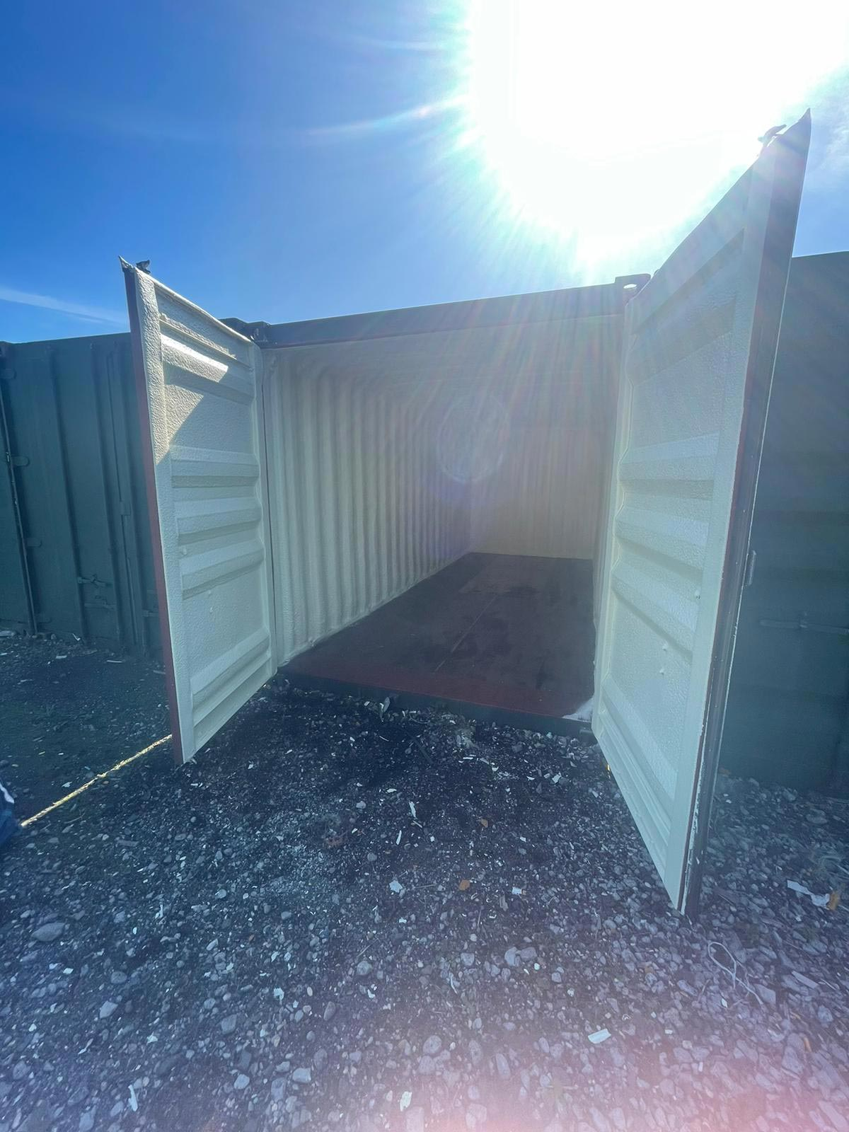 foam insulated shipping container