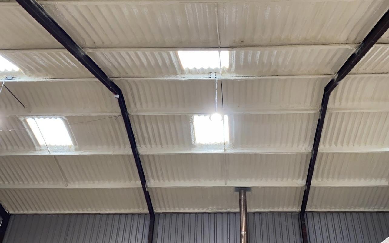 steel frame building roof insulation