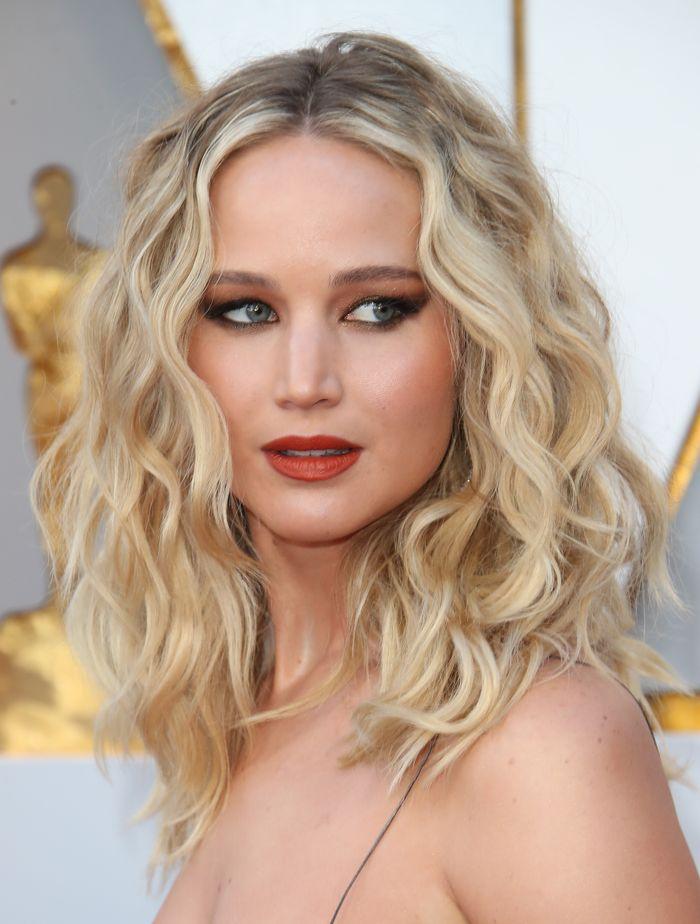 Jennifer Lawrence fine hairstyles