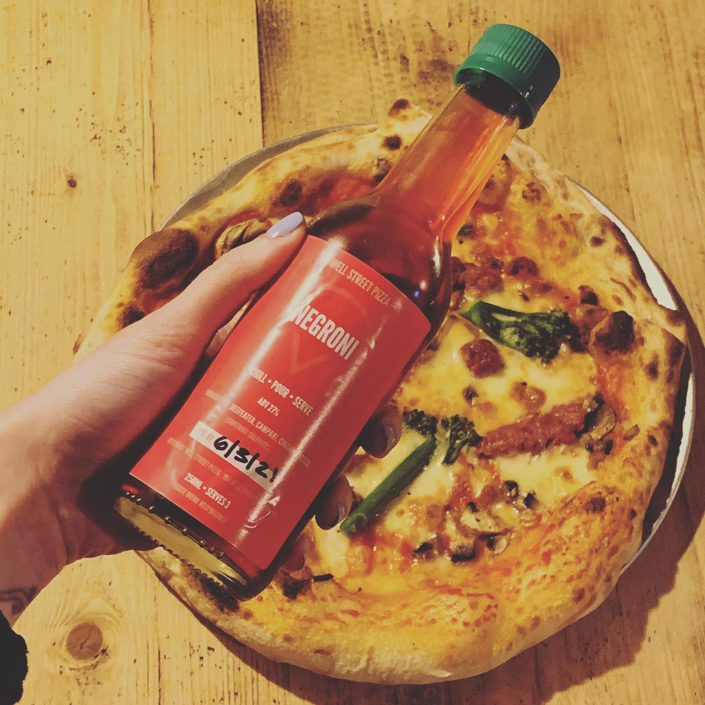 TGIF East London! Looking for pizza and cocktails? We got you.  . . . #youwantapizzame #pizza #hackney #cocktails #delivery #tgif #fridayvibes #london