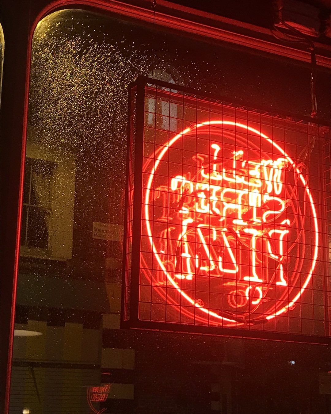 Cozy rainy day at Well Street Pizza. There is nothing better than a delicious glass of our Piceno red and a hot, hot Pizza to warm you up and relax.  Available on Deliveroo   We'll be here till 10pm   #Hugs #hackney #FireOven #FireOvenPiza #HackenyRestaurants #WellStreetPizza #RainyLondon #WarmDigs #RedWine #Neopolitana