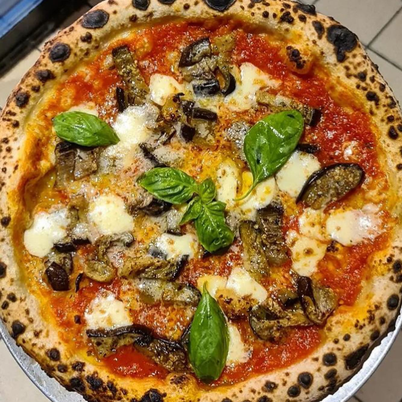NEW SPECIAL - Melanzane Affumicatta AKA The Mouthful 😝   It's to die for 💔  Smokey and delicious available today!   #TomatoSauce #lepoardprint #hackneyrestaurants #hackneyspecial #aubergine #smokedgarlic #wellstreetpizza #instapizza #instafood