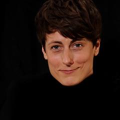 Simone Bernhard, freie Autorin, schreibt u.a. für lexfree