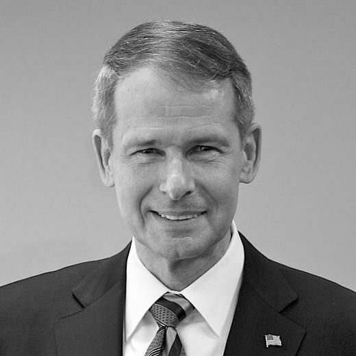 A headshot photograph of Gen. (Ret.) Peter Pace.