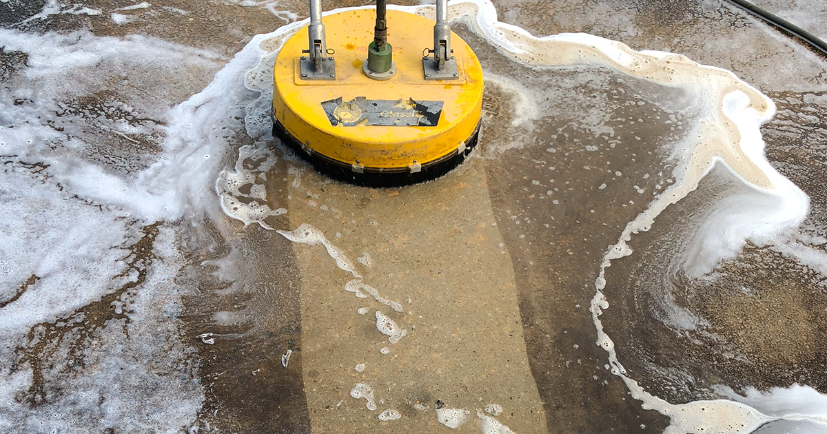 Concrete and flat surface pressure washing