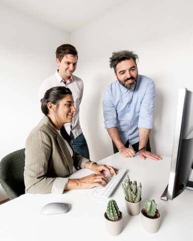 hofling - studio für webdesign in ulm - startseite - profilbild deniz 6