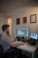 hofling - studio für webdesign in ulm - startseite - profilbild deniz 2