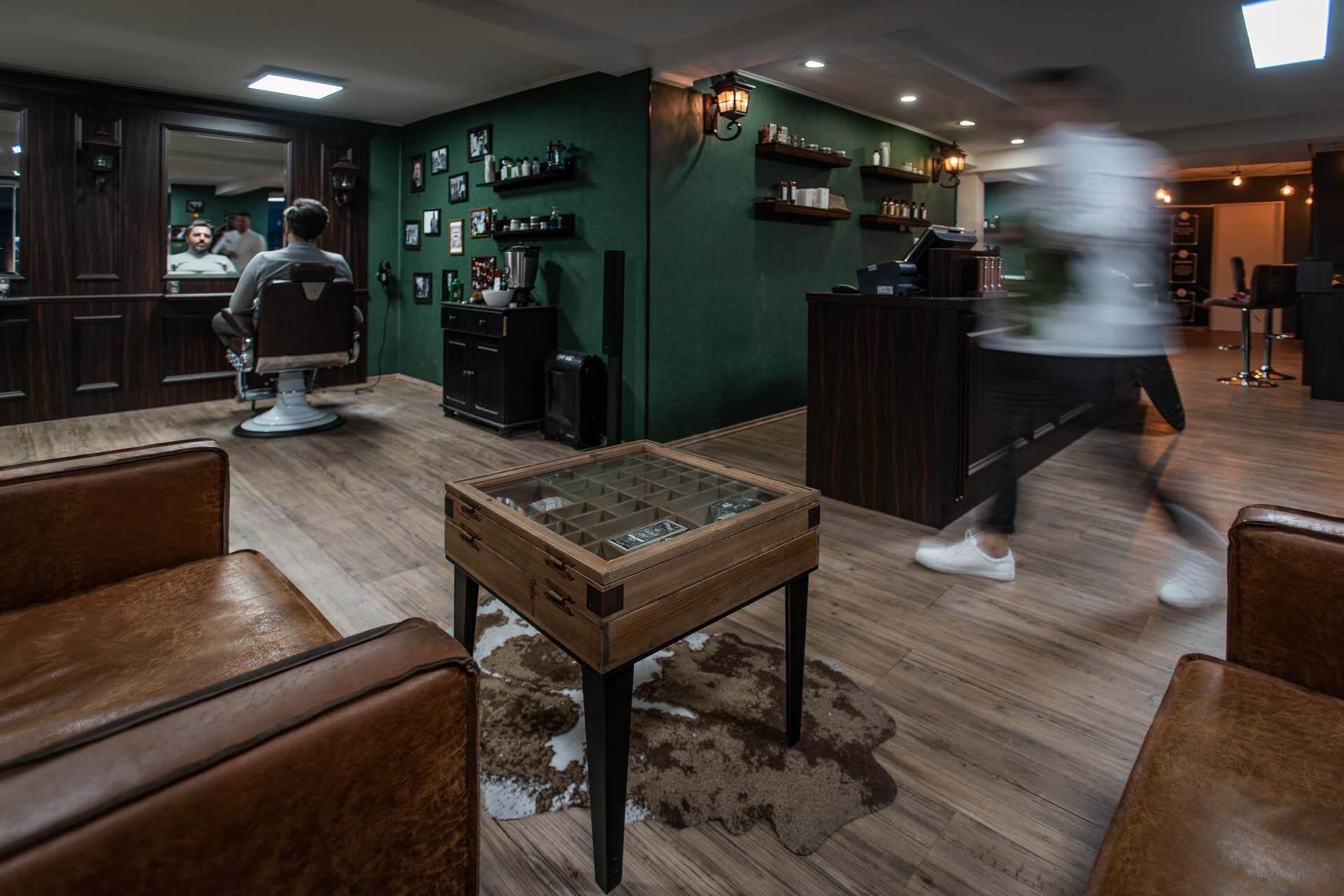 Salon von Weltmann & Co. Barbershop in Ulm . Bild von Felix Weichsel,