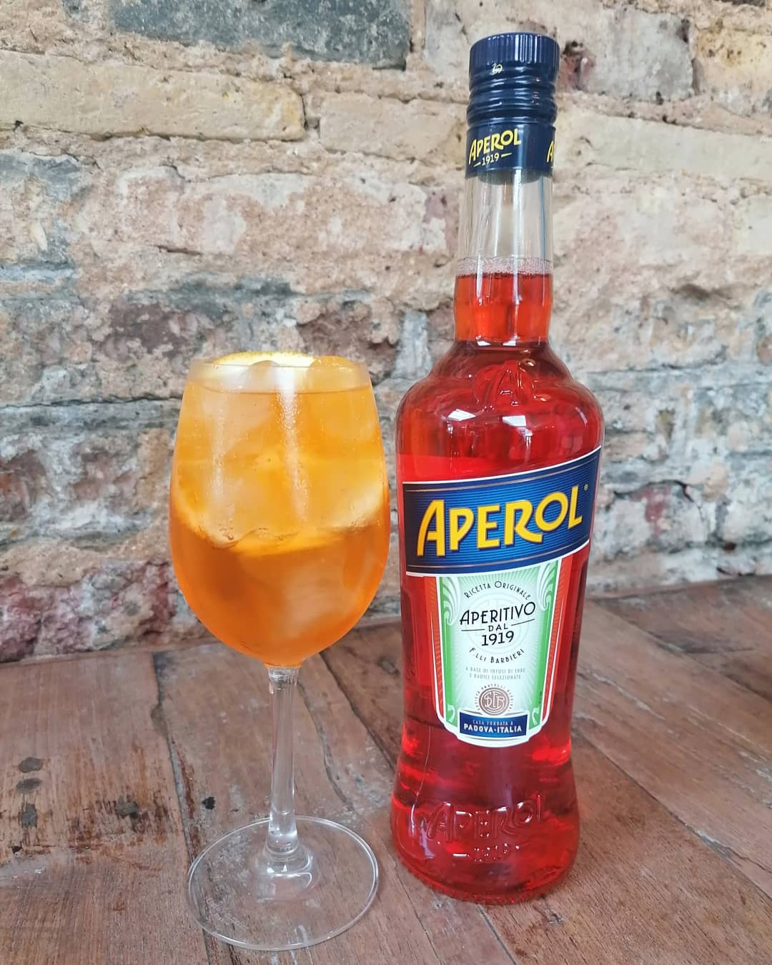 It's Friday, and we're in  a spritzy state of mind at the ship ⚓.  See y'all soon ⚓.   #aperolspritz #aperol #hackney #clapton #morninglane #cocktails #londonist #pub #meetup #stokenewington #dalston #sun #happyfriday #eastlondon #local #drinks #homerton #drinkswithfriends #sunnyday #hackneylocal #hackneylife #aperoltime #hackneycentral #aperolspritztime #tgif
