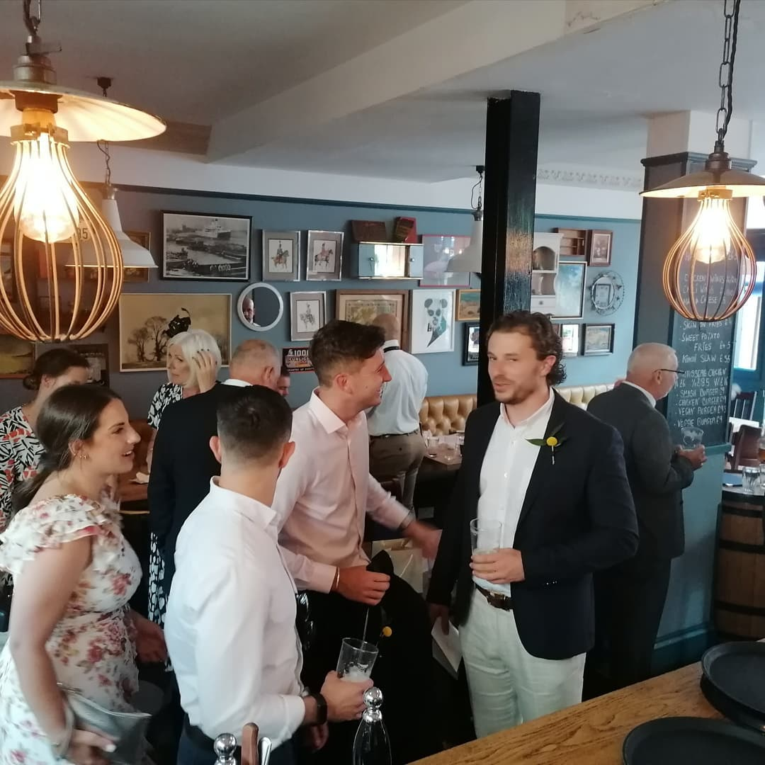 Pre wedding ceremony drinks.   #weddingdrinks #cocktails #drinks #weddingparty #hackney #dalston #hackneytownhall #hackneywedding #meetfordrinks ##letsdrink #smallplates #hackneyresident #hackneylife #pubvibes #hackneywick #foodies #londonlife #londonist #eastlondon #homerton