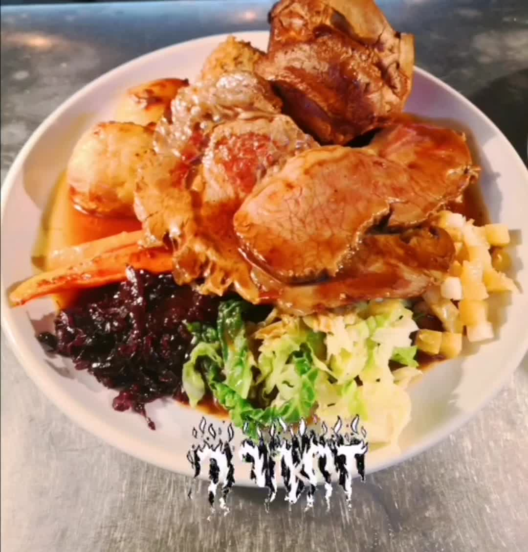 Hello Shipmates! ⚓ We still have tables available for Sunday Lunch Tomorrow.  Give us a call or follow the link in our bio to book your lunch in.⚓  #sundayroast #sundaylunch #roastdinner  #beefroast #chickenroast #veggieroast #pubmeal #pubvibes #hackneyfoodie #hackneydowns #hackneylocal #hackney #roastpotatoes #oldshiphackney #clapton #hackneycentral #dalston #shorditch #pubs #letseat #stokenewington #yummy #sundaydinner #deliveroo #takeaway