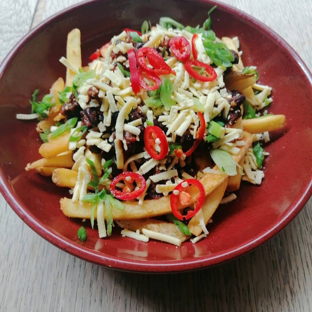 Black bean vegan chilli fries😋.  #veganfood #veganrecipes #hackney #hackneylocals #eastlondon #londonist #londonpubs #londonhotel #veganfries #accommodation #vegandish #locals #hackneyempire #stokenewington #foods #shorditch #leytonstone #hackneywick