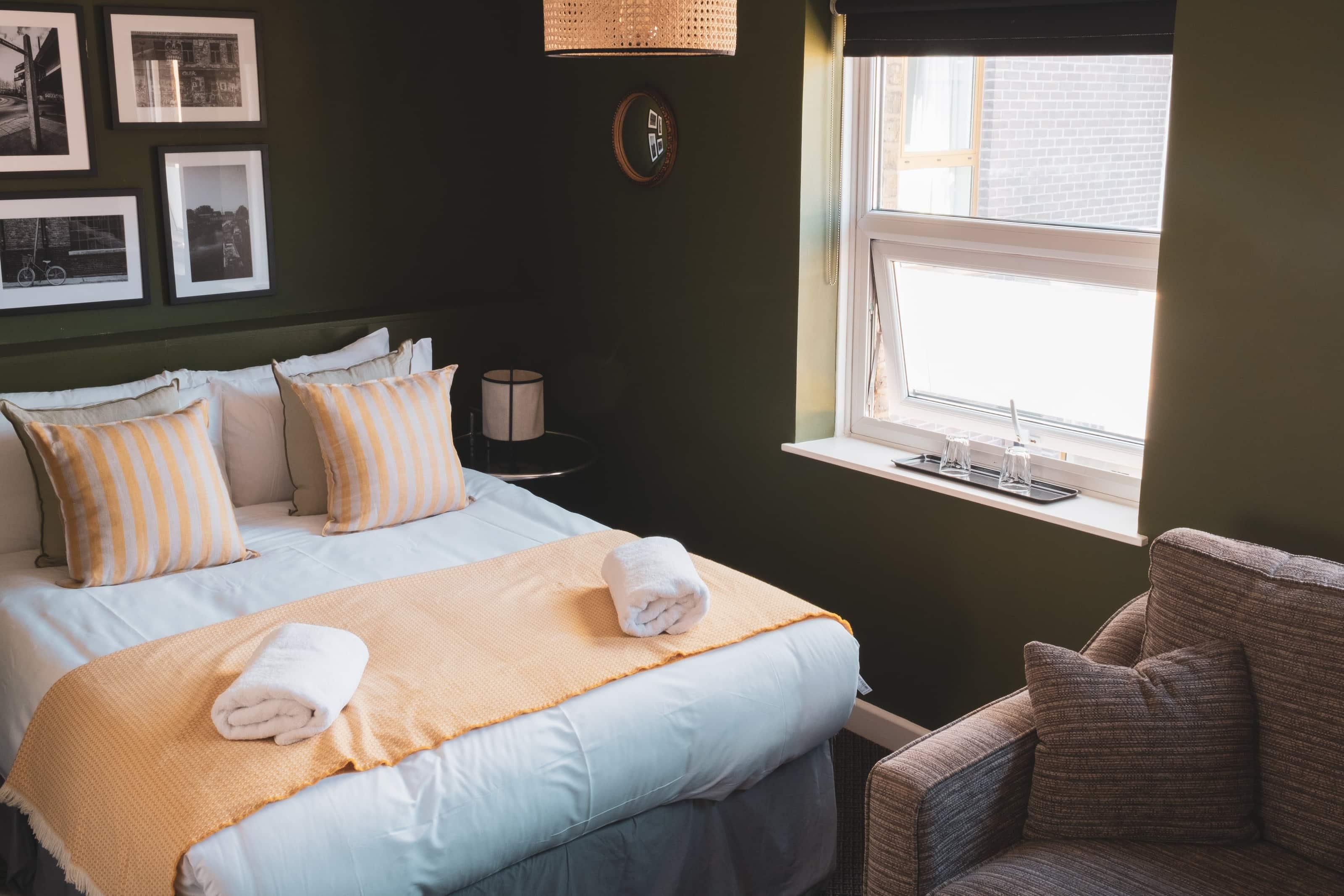 Hackney Hotel - Double Bedroom