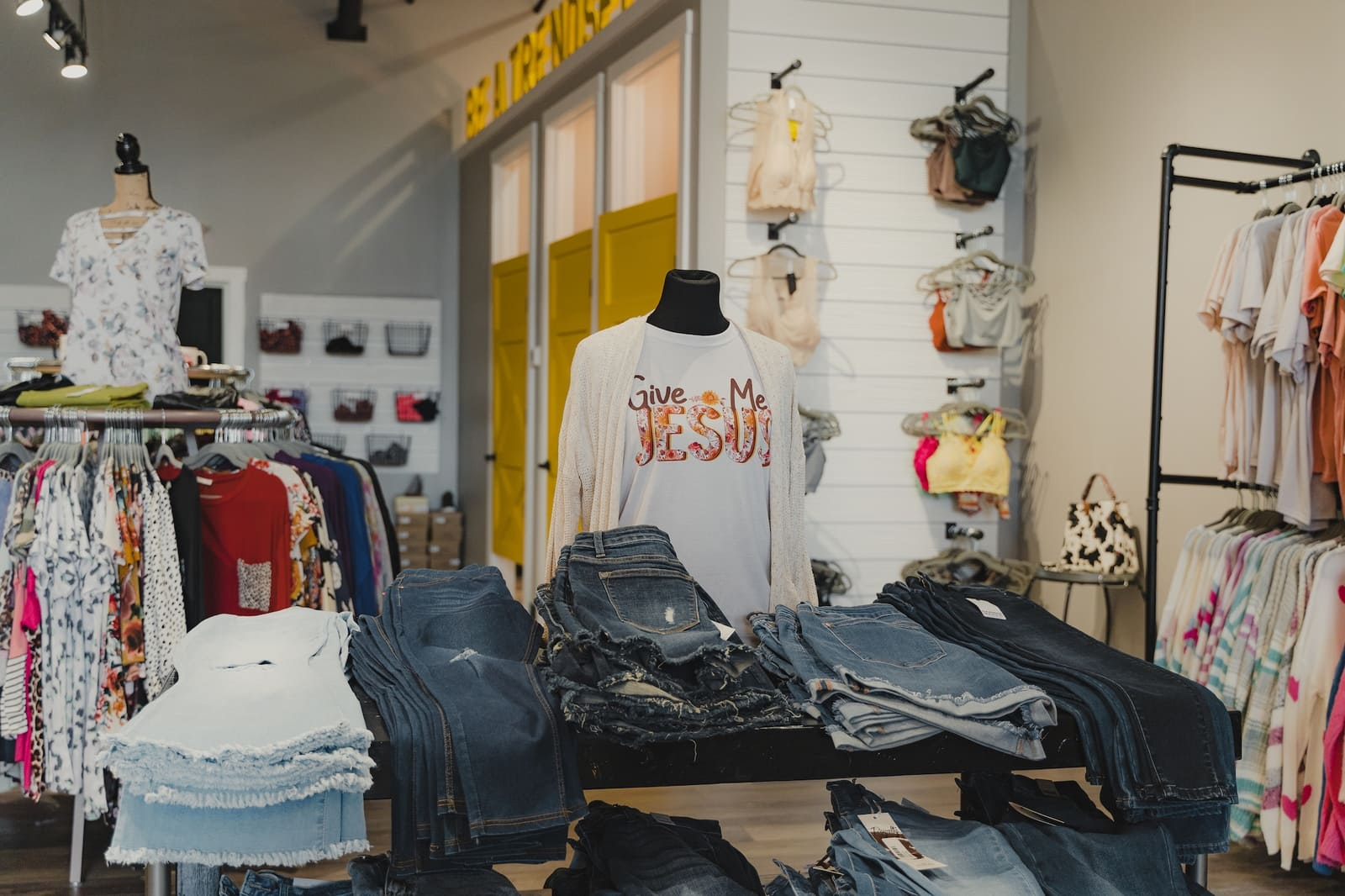 interior shot of BAAKK Boutique in the mountain mile in pigeon forge