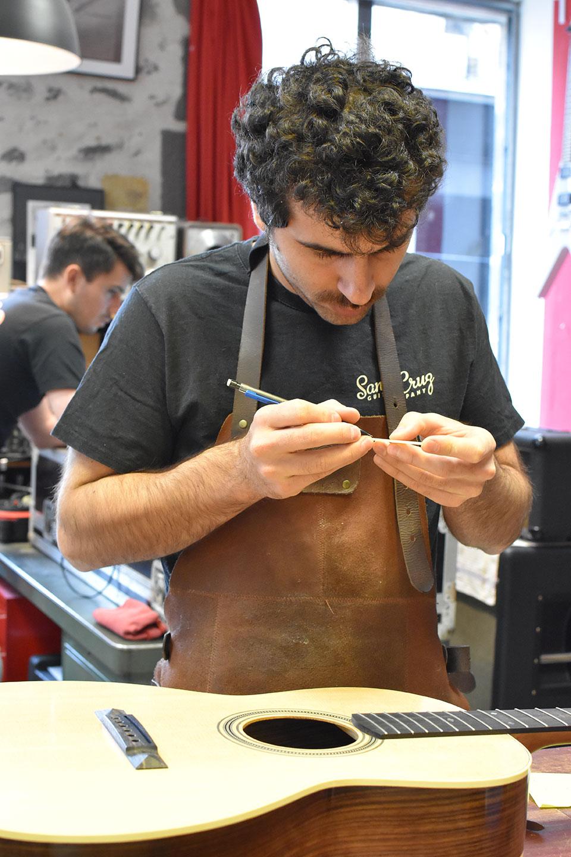 Bastien, artisan luthier
