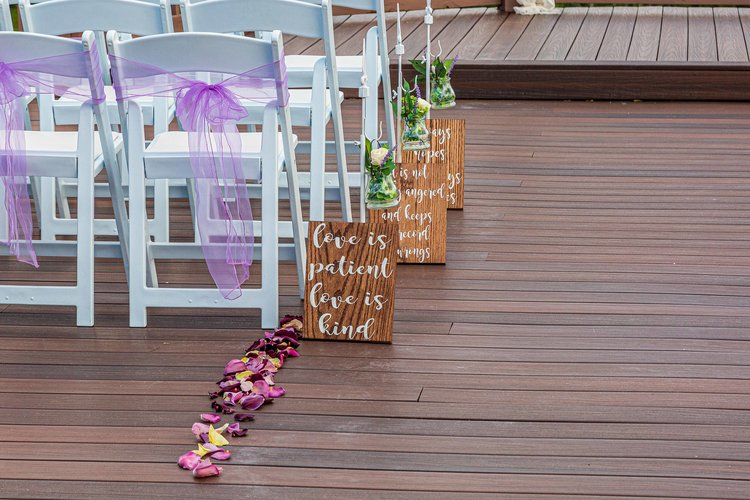 decorations available at flower mountain wedding venue