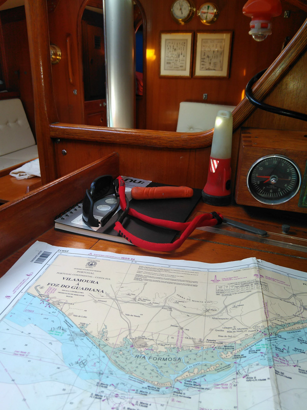 Passage planning on the navigations table