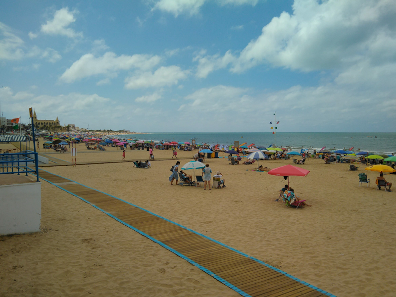 Cadiz beach walkway