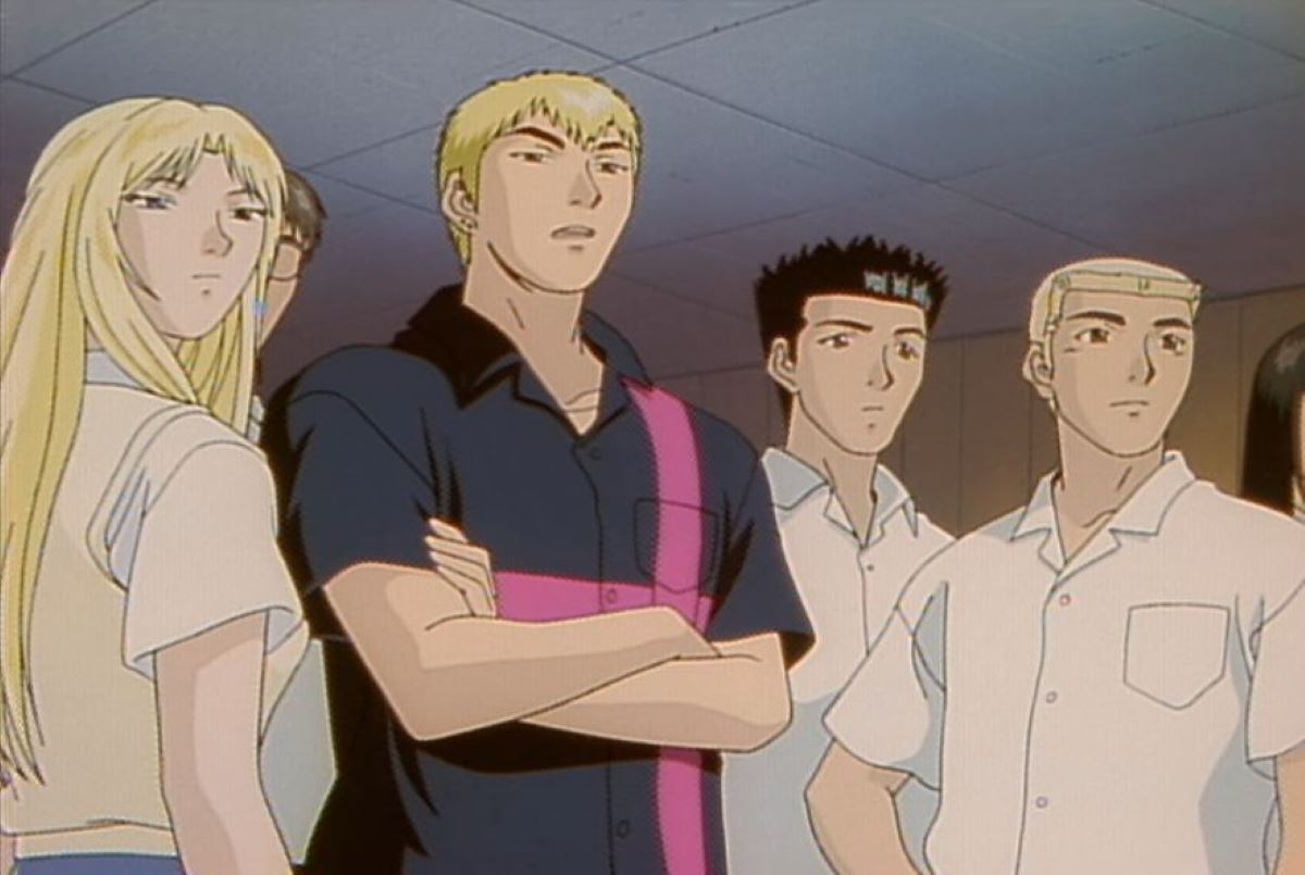 Onizuka with some of his students | GTO - The Animation - Eikichi Onizuka | The Best Anime Teachers