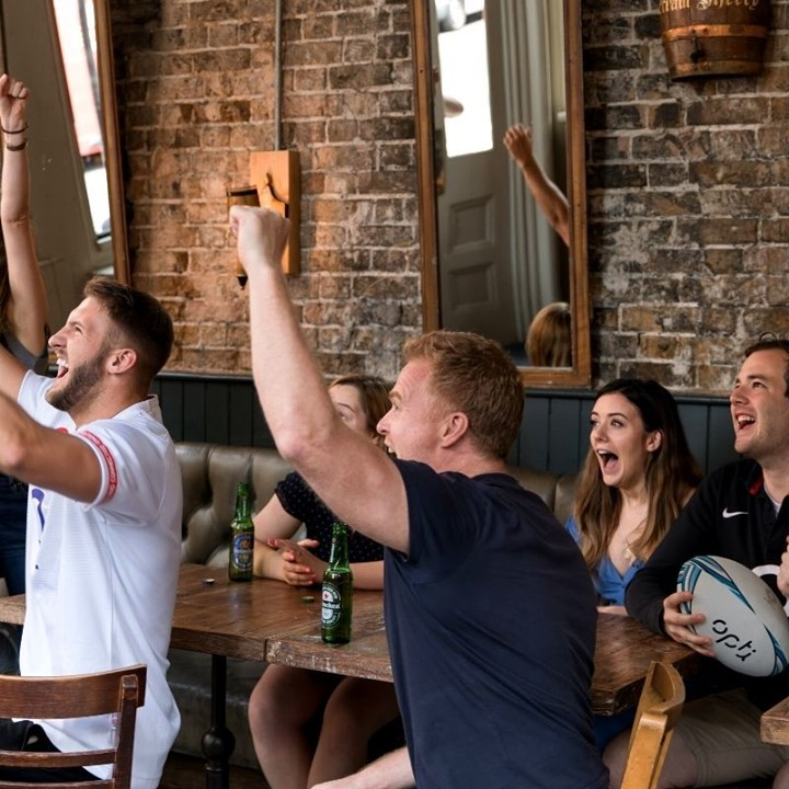 Rugby is back at Punch and so are Saturdays! We will be opening from 12pm on the 31st to make sure you all can watch the games with us! Can't think of any better than a pie and a pint, can you? . . . . . . . #FleetStreet #Blackfriars #PunchTavern #London #LondonPub #Instagood #PicOfTheDay #LondonRestaurants #Restaurants #WhatsOnLondon #LondonCity #PrivateHire #Venue #rugby #sixnations #games #foodporn #beerstagram #foodstagram