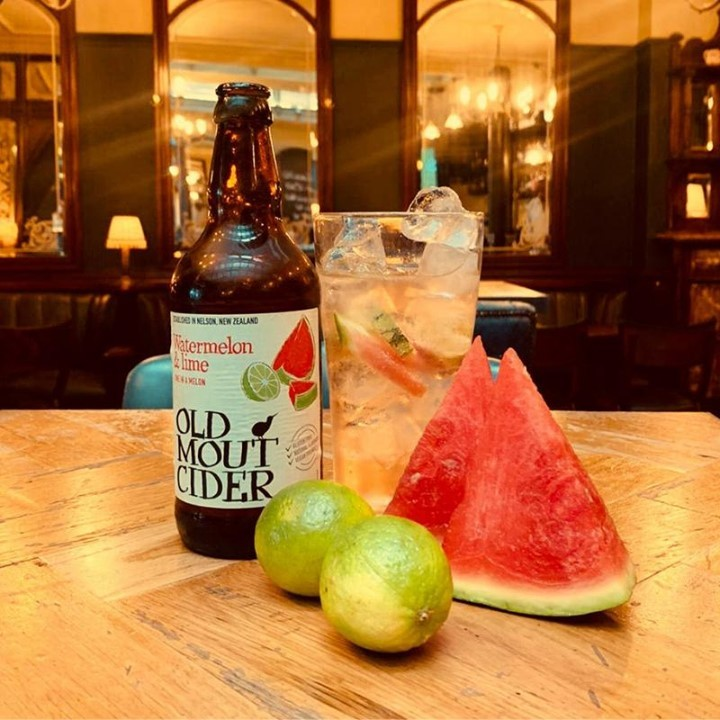 With 28 degrees outside, we thought it'd be a good idea to update our range of refreshing ciders. Meet our new fridge occupant; Watermelon and Lime Old Mout.  . . . . . . . #cider #oldmoutcider #watermelon #refreshing #watermelonandlime #fruitcider #saturday #picoftheday #fleetstreet #ec4y #citypub #bestpubs #punchtavern #urbanpubsandbars #drinkstagram #gastropub #listedpubs