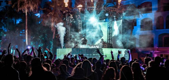 night event music stage