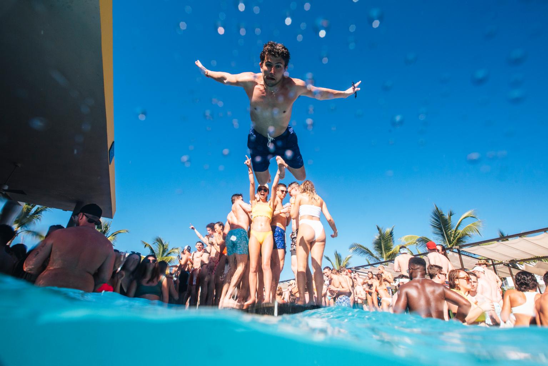 Vegas pool party