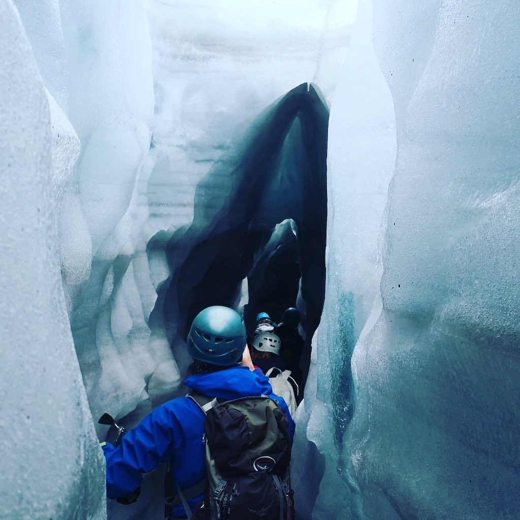 Fin istunell på årets siste daglege bretur i Juklavassbreen. No kjem vinteren tilbake til Folgefonna. Takk til alle som har besøkt oss!