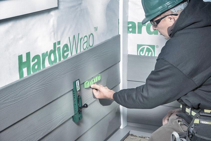 Tredegar Construction installs hardiePlank siding in the Richmond metro area