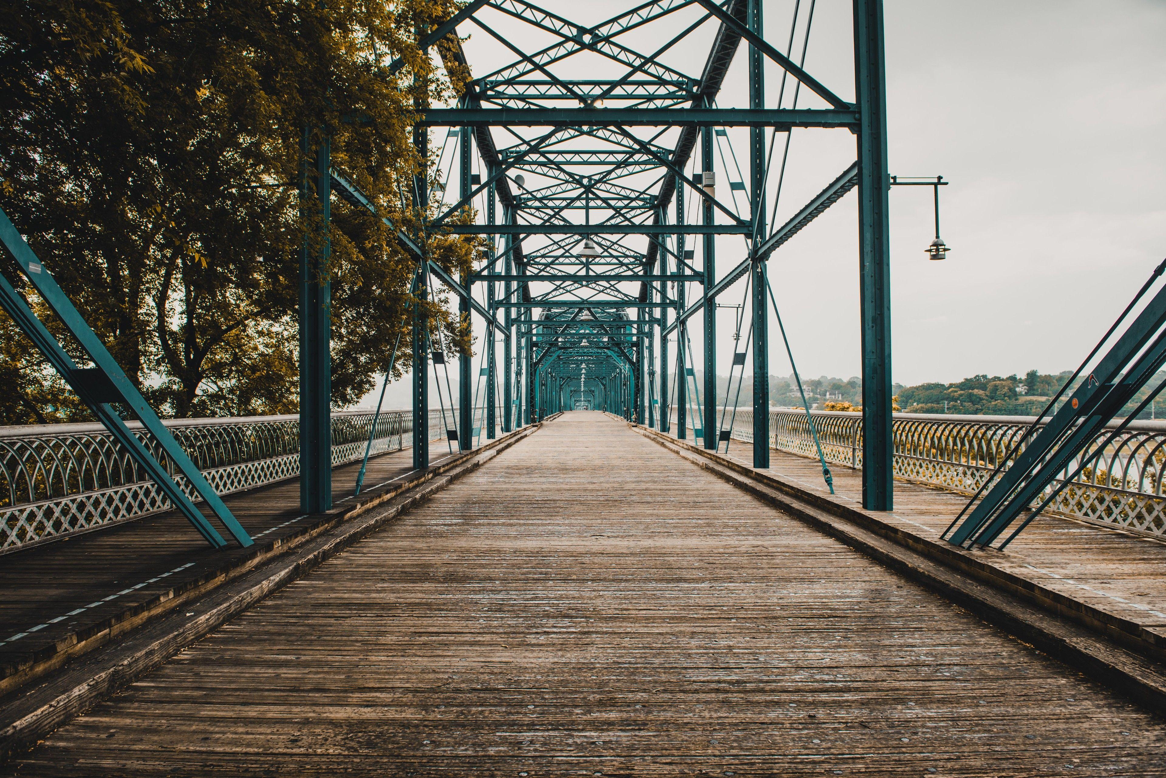 Landscape shot of the Chattanooga Cherry Street Walking Bridge