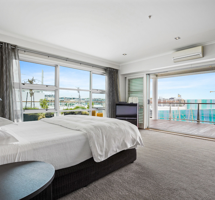 Luxury Harbourside Three Bedroom