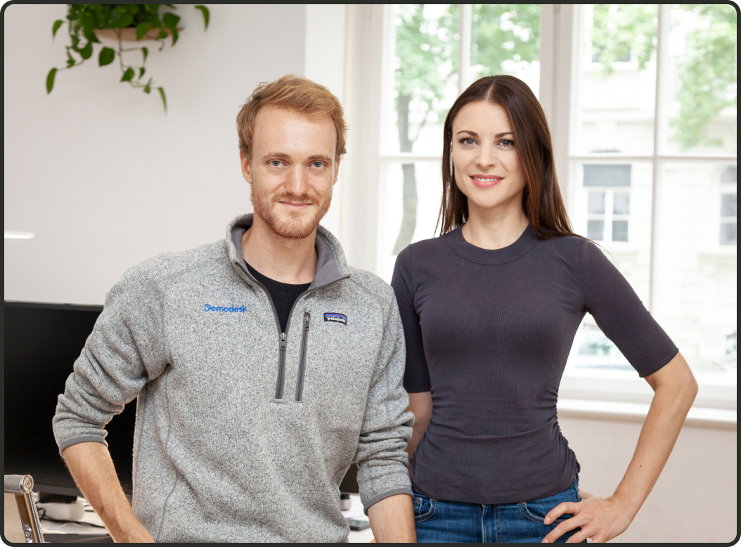 The founders of Demodesk: Alex Popp (left) and Veronika Riederle (right).