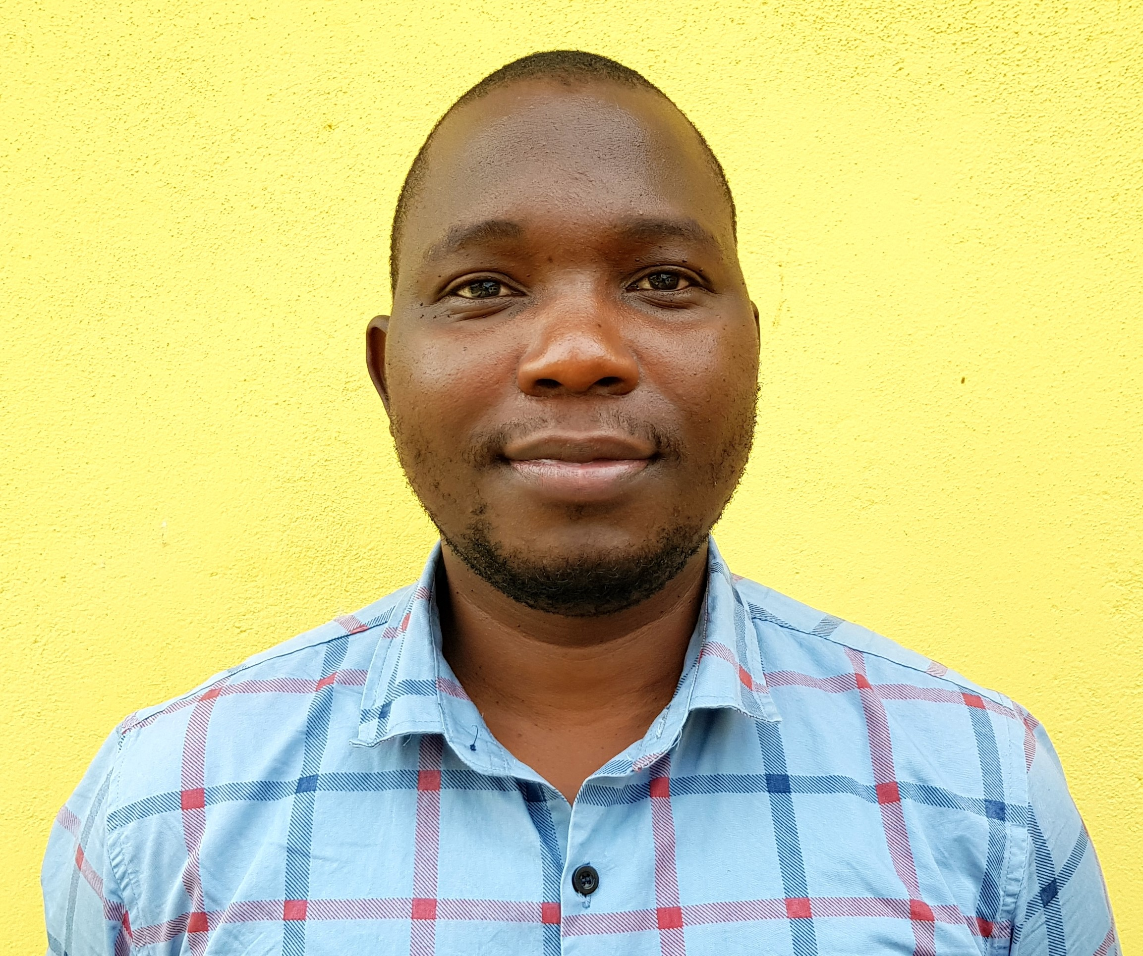 Ezlon Mwenibabu