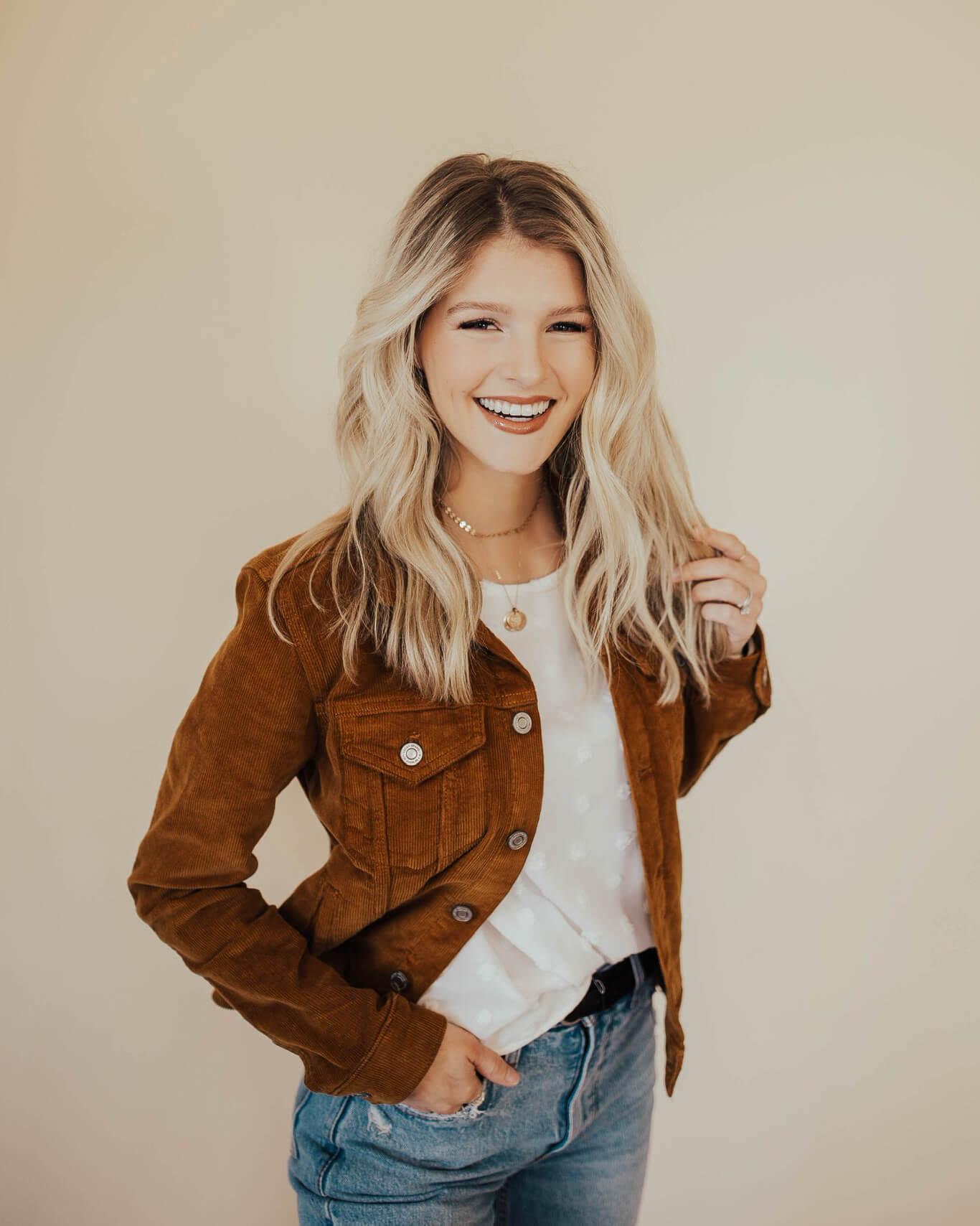 Josie Balka - Effortless Beauty Team Member