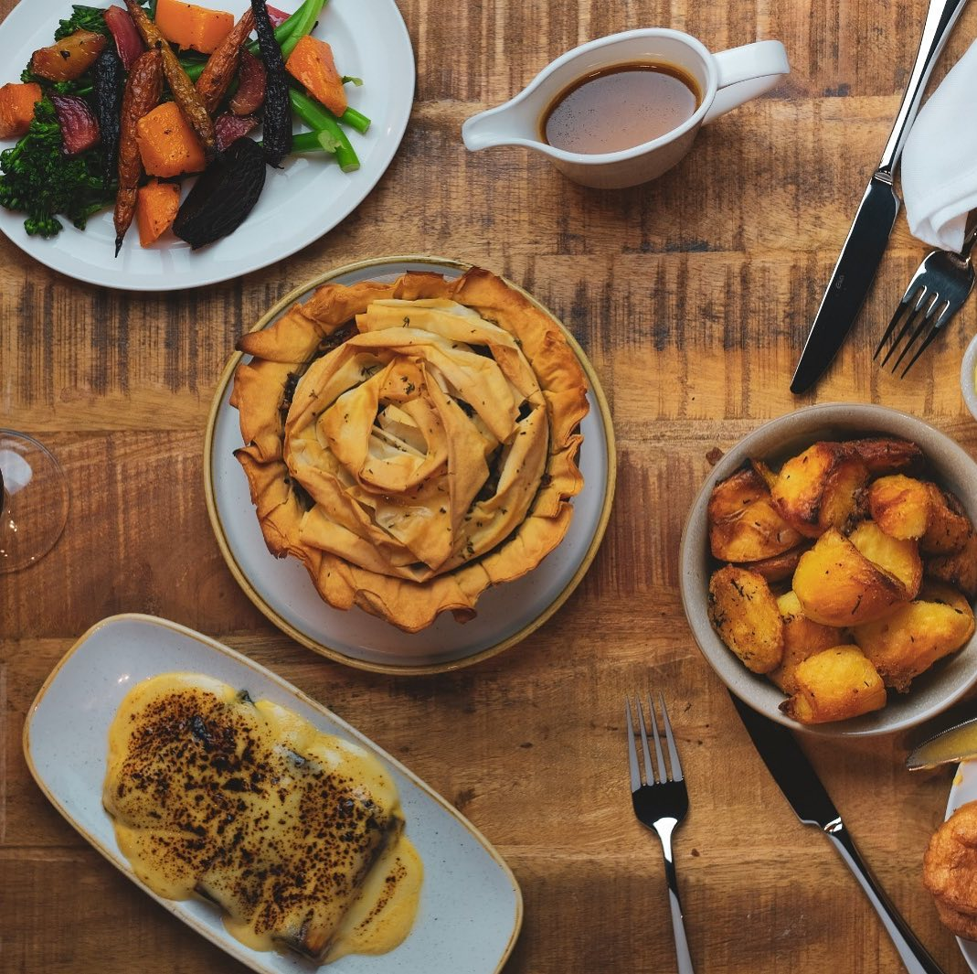 Our first Sunday inside today! Mostly booked up but we have a couple of spots left around 4pm for walk ins.  Vegan pies, whole roast chickens and exceptional bloody Marys guaranteed!
