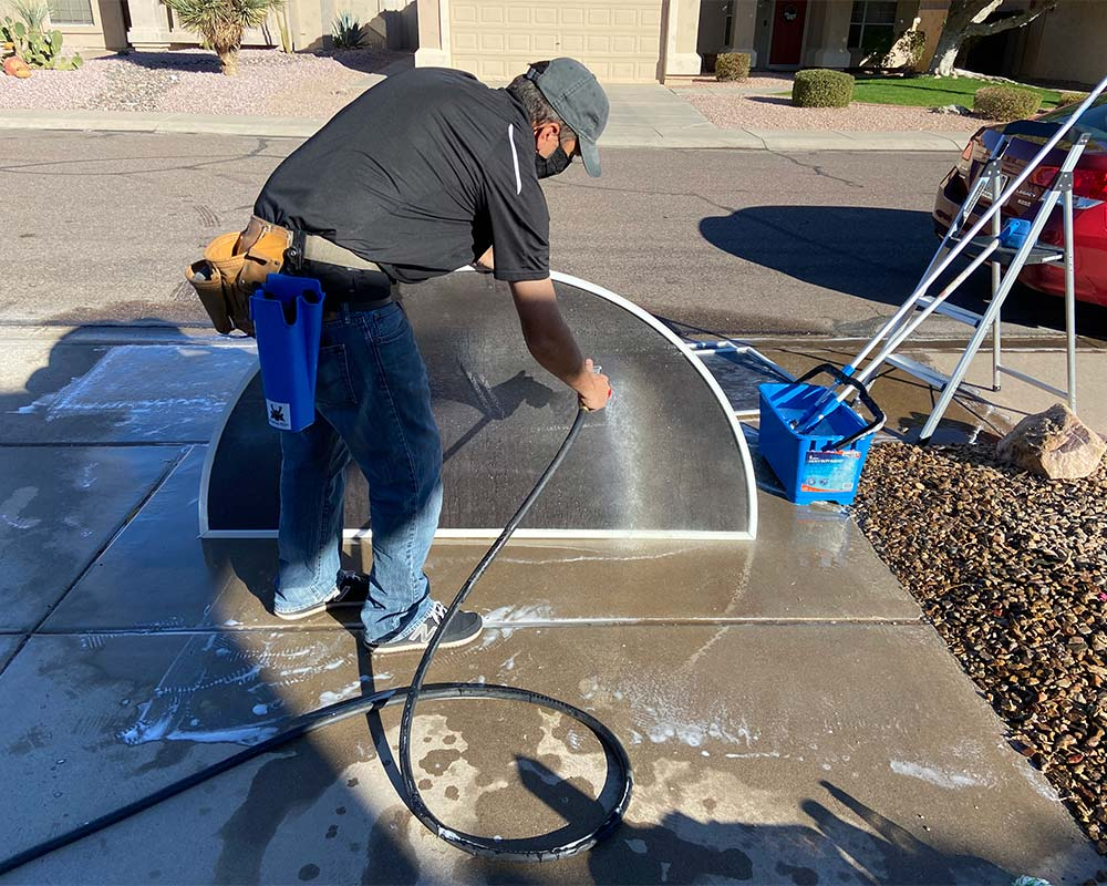 Screen cleaning in progress in Ahwatukee